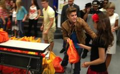 Justin Bieber Returns To Whitney Elementary School Before Billboard Awards