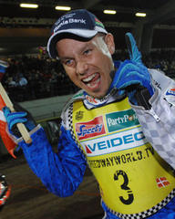 Brave Nicki Pedersen will race with a broken arm