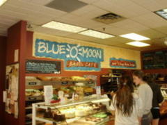 Restaurant News: Blue Moon, Brazilian Pizza, and Brooklyn Bagels