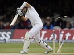 England's late collapse brings New Zealand right back into the test match on day three